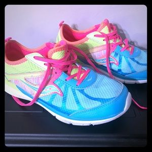 Saucony Like New 4.5W (big girl)